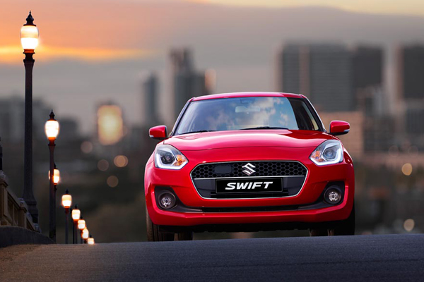 Suzuki SWIFT in Abenddämmerung