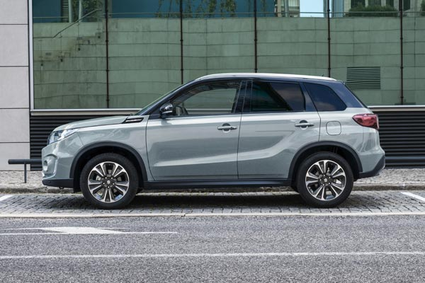 Ice Grayish Blue Metallic des Suzuki VITARA