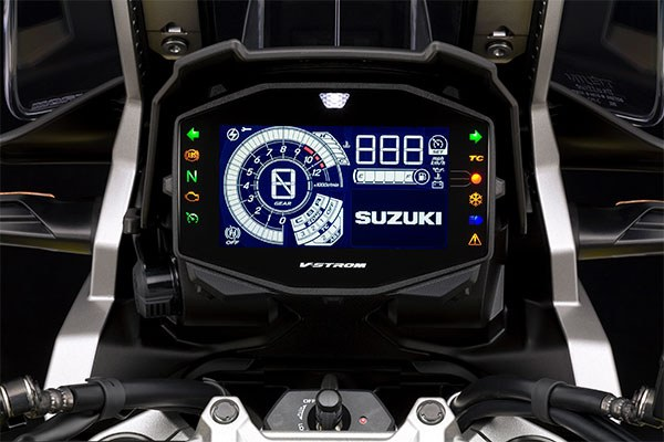 V-Strom-1050-XT-Multifunktionsdisplay-kl.jpg