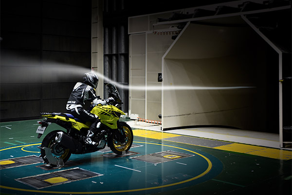 Suzuki-V-Strom-1050-XT_wind_tunnel_test_2